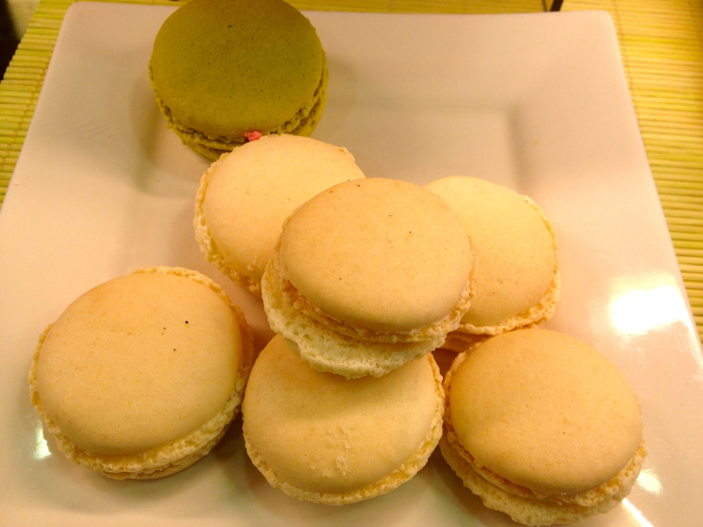 the macaroons have a autumy look about them